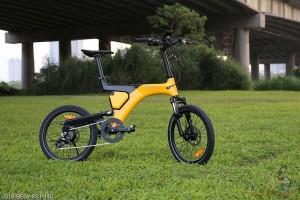 Elektrobicykel BESV- 2015-BESV-PS1- v meste